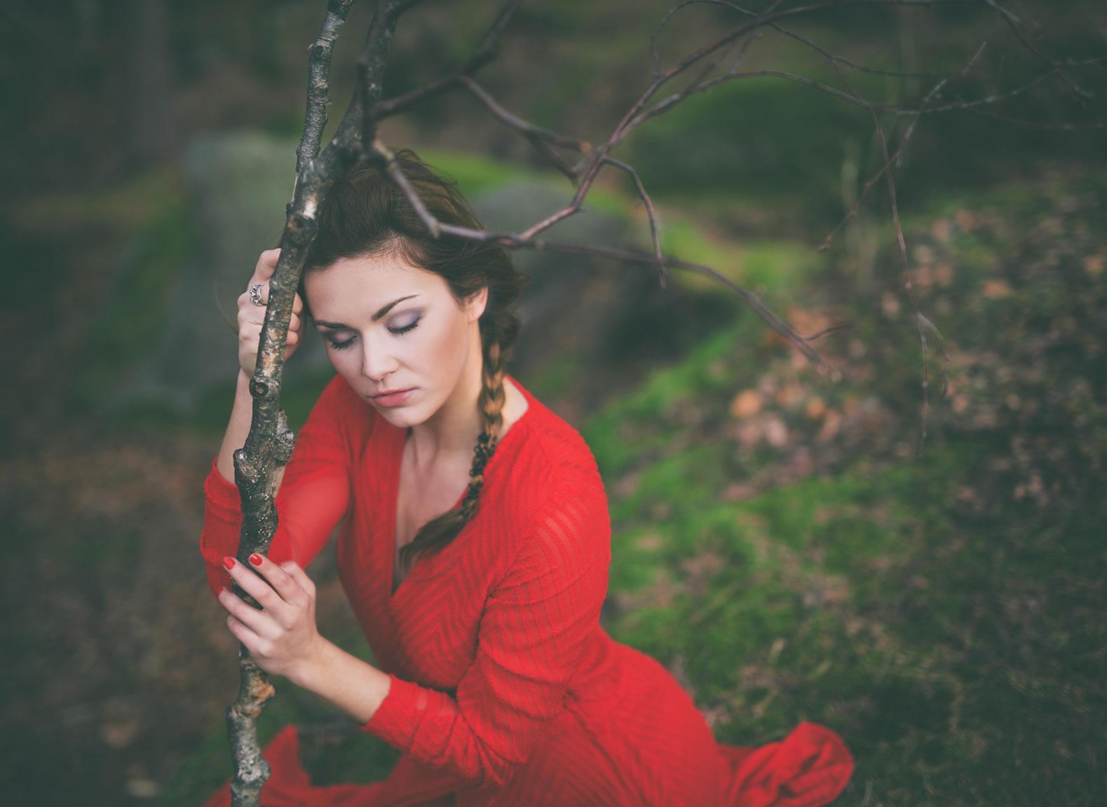 03_red-dress